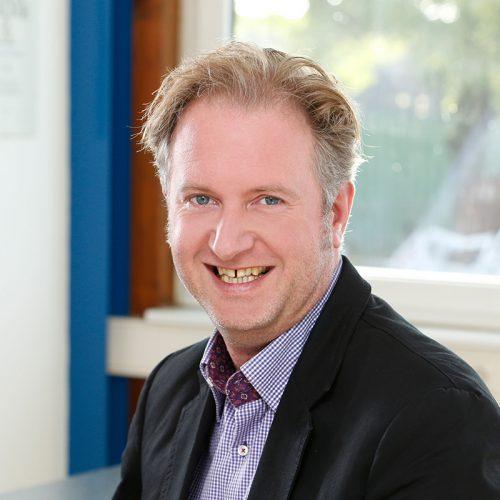 Herr Alexander Bunn