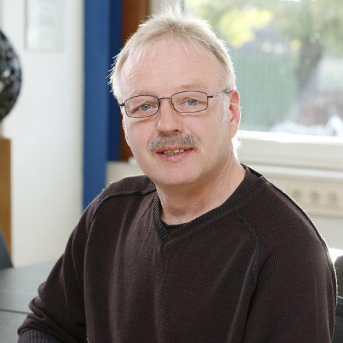 Herr Frank Henkies